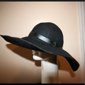 H&M wide-brim hat